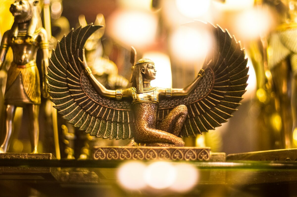 egyptian golden statue